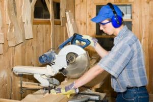 carpenter & electric saw