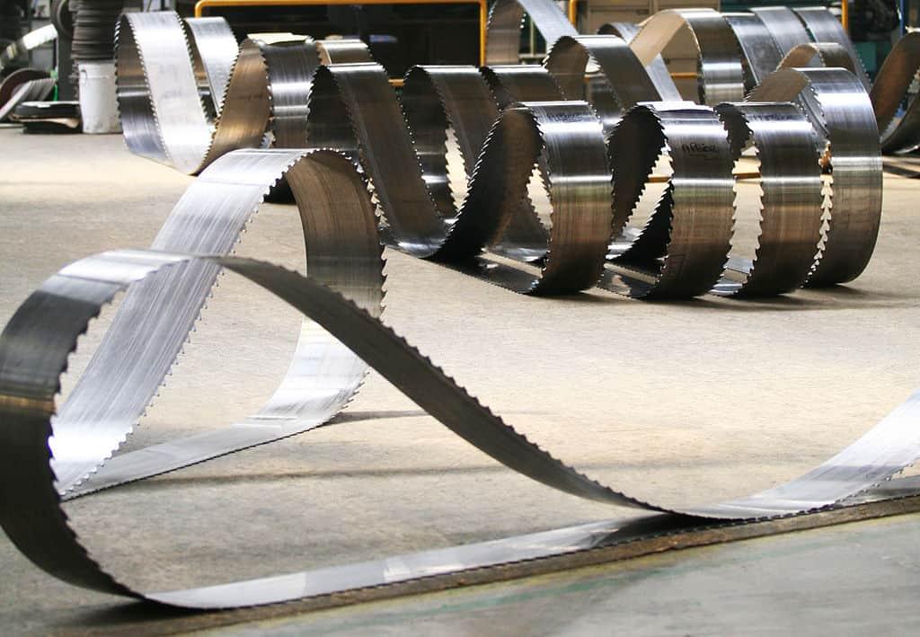 Band-saw-blade MFLS