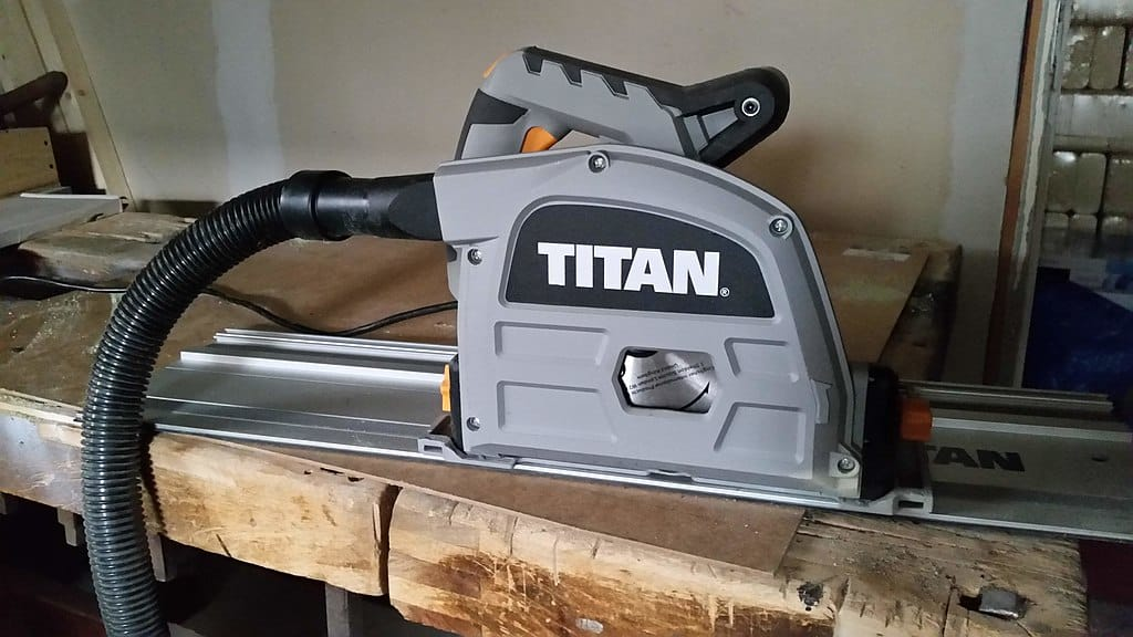 Track saw guide