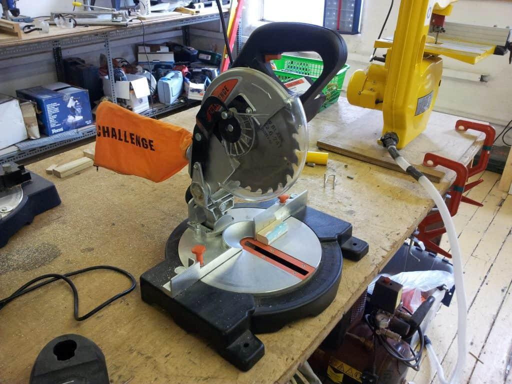 Power mitre saw
